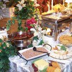 Dobry catering na przyjęcie – czyli jaki?